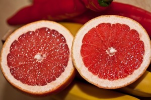 Lose 2 lbs/a week eating 1 grapefruit ahead of your meals